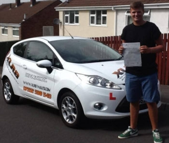 Curtis passed his test after taking a semi intensive course of just over 3 weeks Curtis passed his test with only 1 minor fault on 4th September 2013 What a result