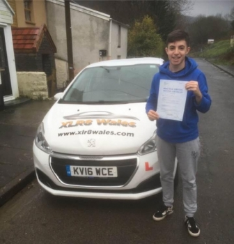11.12.19 - Congratulations to Dafydd Jones on passing his driving test 1st time today in merthyr tydfil with our Peter 🚦🚗😁