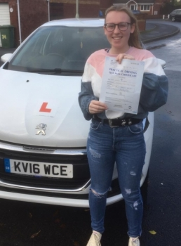 28/11/18 - Congratulations to Olivia Richards on passing her driving test today 1st time with our Peter... Lovely result right before Christmas 🚗🚦🎄