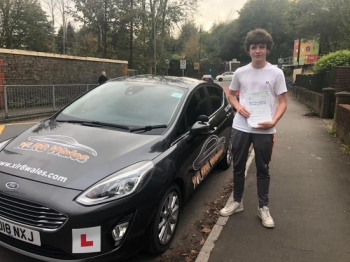 24.10.19 - Congratulations to Ross who passed his test with our Glenn... lovely result!! 🚦🚗🤘