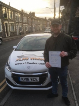2.12.19 - Congratulations to Richard Popple on passing his driving test today 1st time with 3 minors with our Peter 🚗🚦👍🏻
